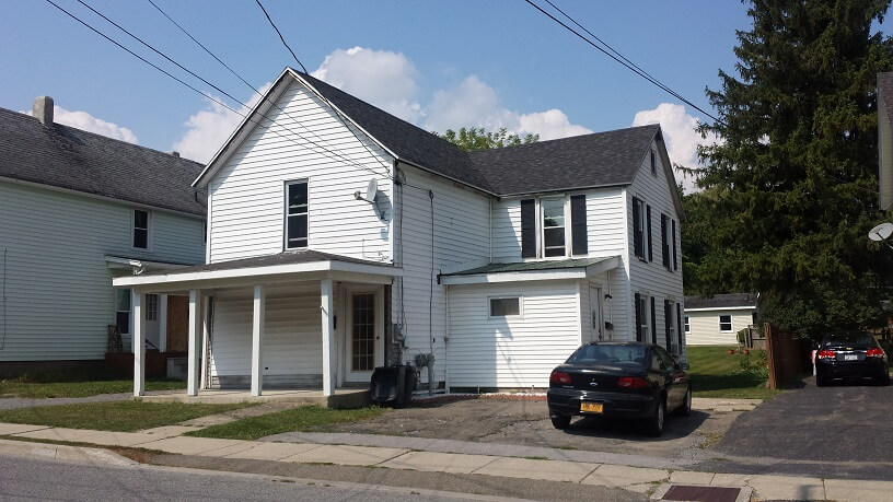 Perry – 141 Water St. Lower Apartment